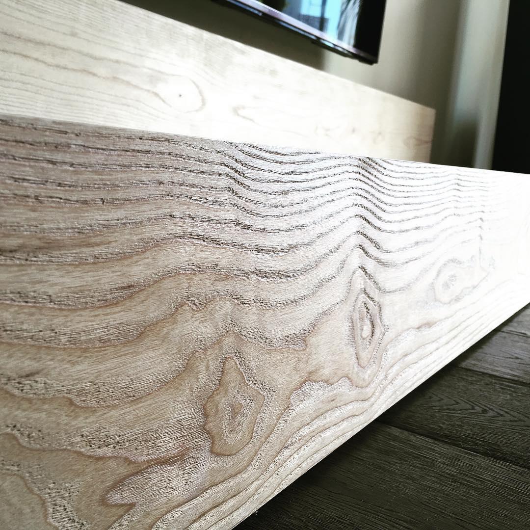 Lowboard aus Esche